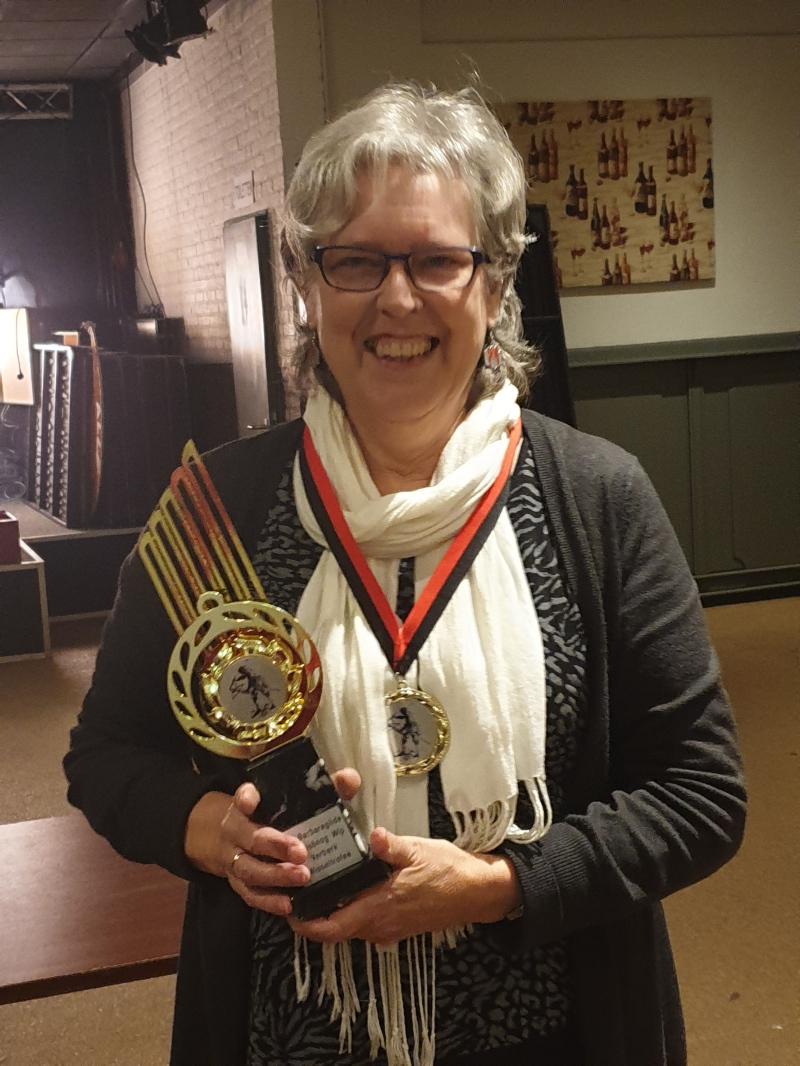 Anna-Marie wint ook kruisboog wip competitie