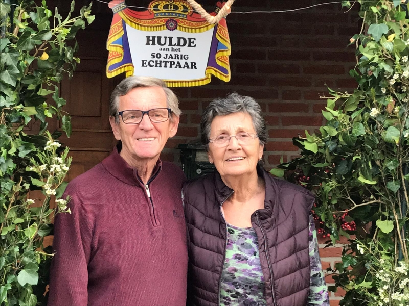 Weekboeket voor Annie en Tonnie Pennings in Sint Hubert